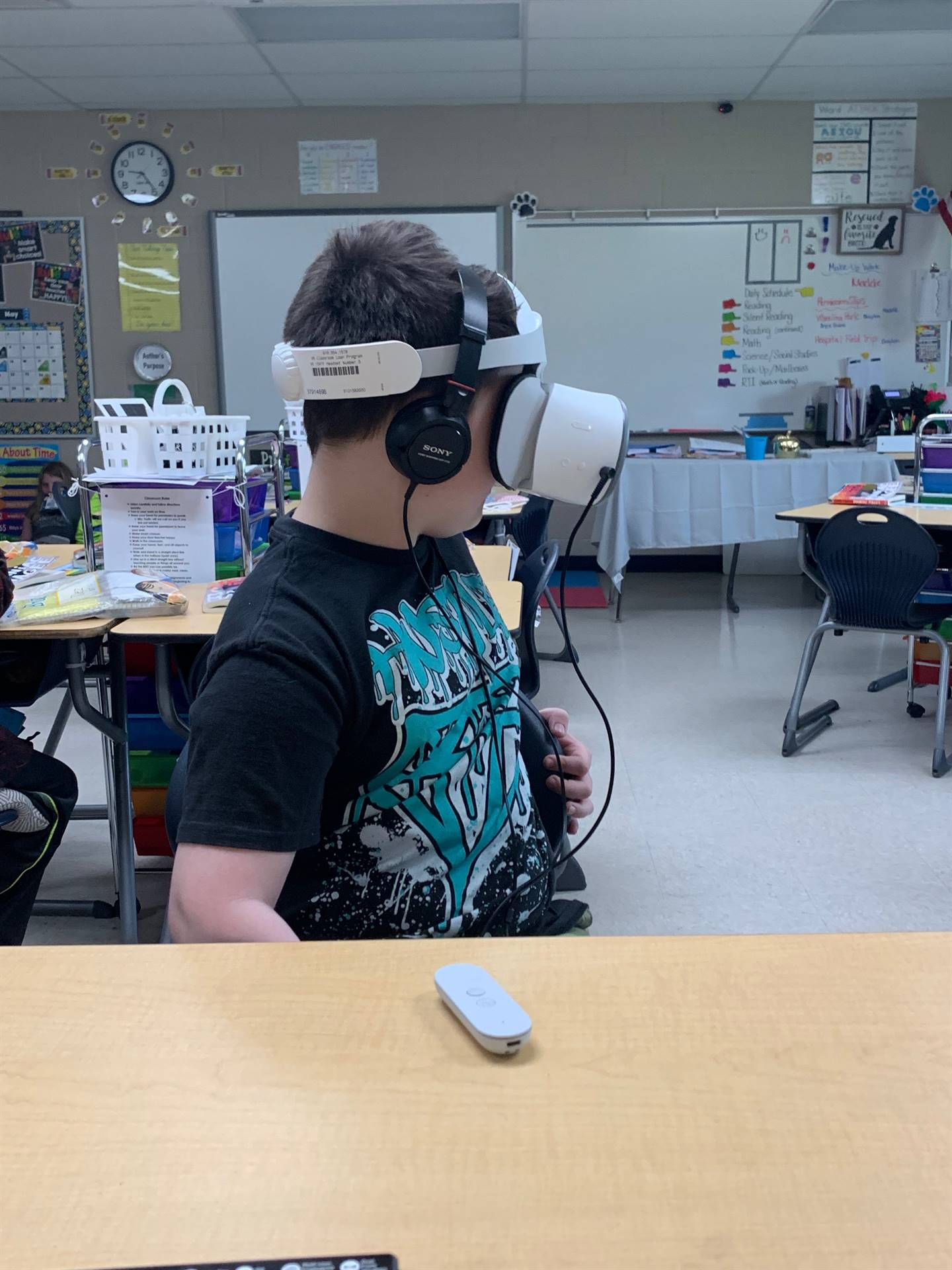 3rd Grade Students experience Virtual Reality