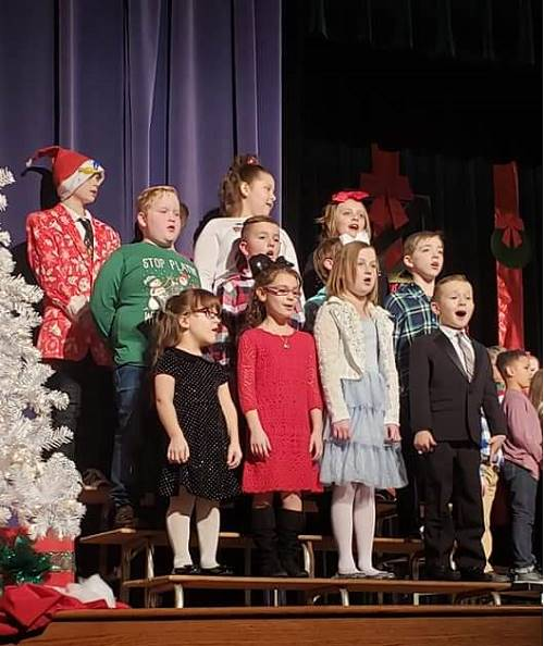 2nd and 3rd Grade Students Perform for the Holidays