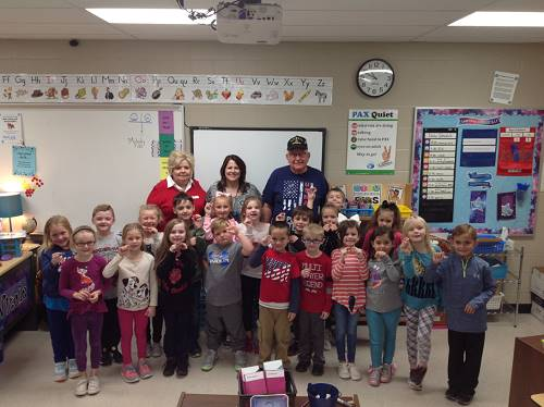 Veteran and Alumni Visit 1st Grade Students